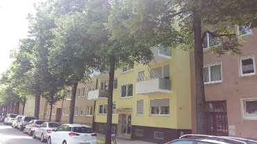 Mehrfamilienhaus in München-Berg am Laim, WEG mit 17 Einheiten, 5 TG Stellplatzen