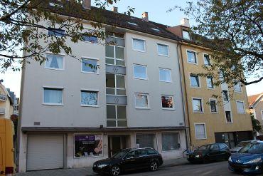 Mehrfamilienhaus in München-Milbertshofen-Am Hart, WEG, 11 Wohnheiten, 2 Gewerbe, 12 TG-KFZ-Stellplätze